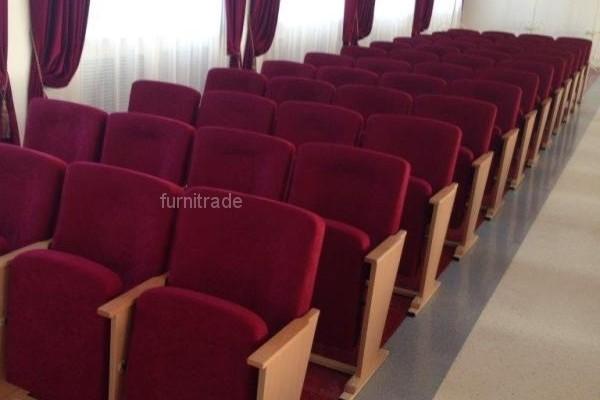 Театральные кресла Соло Вуд от производителя в актовом зале  г. Минска