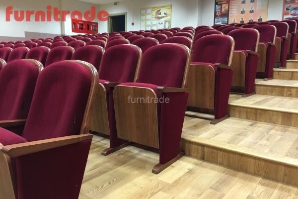 Кресла Классика Текс  от производителя фабрики Фурнитрейд в конференц-зале г. Минска