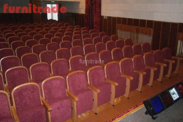 От производителя кресла для зрительных залов в п. Жарковский