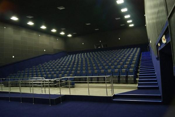 Кино-кресла кресла от производителя Фурнитрейд в КДЦ Юбилейном ст. Тбилисская