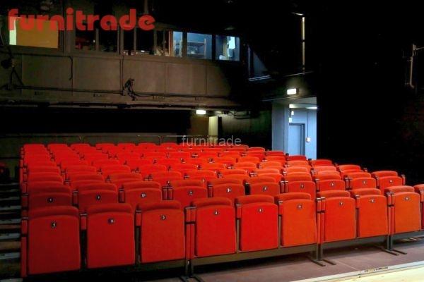 Театральное кресло Уно в Театре на Таганке производства фабрики Фурнитрейд