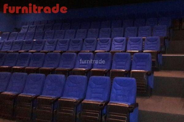 Кинотеатральные кресла в кинотеатре Звезда г. Торопец от производителя Фурнитрейд