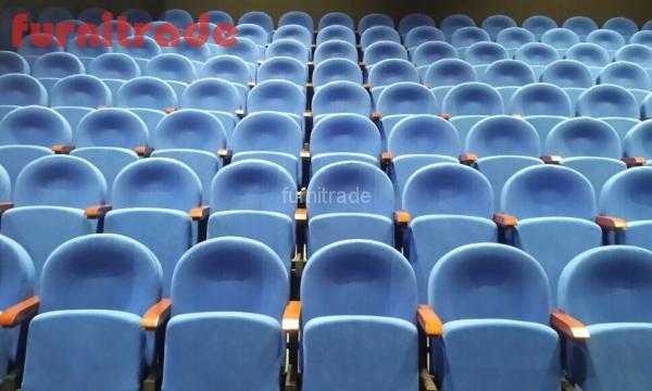 Театральные кресла Примэк от производителя Фурнитрейд в театре Вера Нижний Новгород