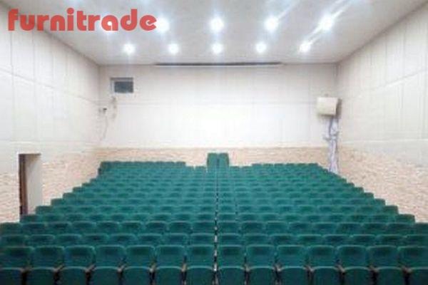 Театральные кресла Соло в клубе Заречье
