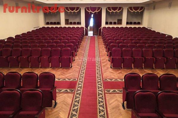 Театральные кресла в театре Адыгеи Майкоп